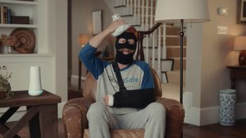 SimpliSafe TV Spot, 'At Home With Robbert: Blindfolded' - Thumbnail 8