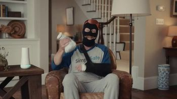SimpliSafe TV Spot, 'At Home With Robbert: Blindfolded' - Thumbnail 7