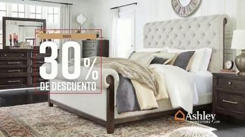 Ashley HomeStore Fall in Love With Home Sale TV Spot, '30% de descuento' [Spanish] - Thumbnail 5