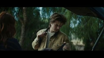 Taco Bell Nacho Fries TV Spot, 'The Craving' Featuring Joe Keery, Sarah Hyland