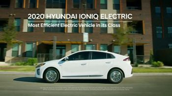 Hyundai Holidays Sales Event TV Spot, 'Meet the Family' [T2] - Thumbnail 4