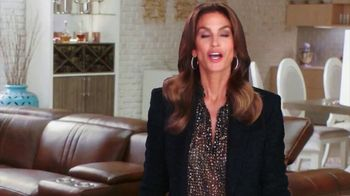 Rooms to Go New Year's Sale TV Spot, 'Start the New Year in Style' Song by Pitbull, Ft. Cindy Crawford, Sofia Vergara - Thumbnail 7