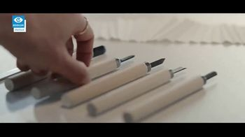 Essilor Varilux Progressive Lenses TV Spot, 'See No Limits' - Thumbnail 3