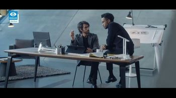 Essilor Varilux Progressive Lenses TV Spot, 'See No Limits' - Thumbnail 4