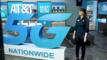 AT&T Wireless TV Spot, 'Lily 5G Sign: 5G Nationwide' - Thumbnail 4