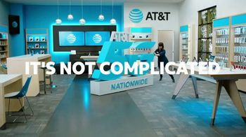 AT&T Wireless TV Spot, 'Lily 5G Sign: 5G Nationwide' - Thumbnail 8