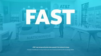 AT&T Wireless TV Spot, 'Lily 5G Sign: 5G Nationwide' - Thumbnail 9