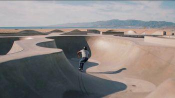 Cerveza Pacifico TV Spot, 'Paths' - Thumbnail 3