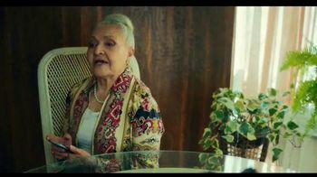 TurboTax Live TV Spot, 'Tu abuela puede contestar eso' [Spanish]