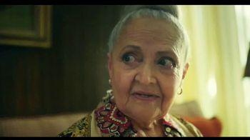 TurboTax Live TV Spot, 'Tu abuela puede contestar eso' [Spanish] - Thumbnail 5