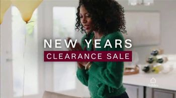 Ashley HomeStore New Years Clearance Sale TV Spot, '0% Interest and 40% Off'
