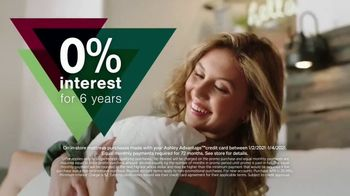 Ashley HomeStore New Years Mattress Sale TV Spot, '0% Interest: Tempur-Pedic and BeautyRest Black' - Thumbnail 2