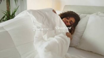 Ashley HomeStore New Years Mattress Sale TV Spot, '0% Interest: Tempur-Pedic and BeautyRest Black' - Thumbnail 3