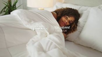 Ashley HomeStore New Years Mattress Sale TV Spot, '0% Interest: Tempur-Pedic and BeautyRest Black' - Thumbnail 4