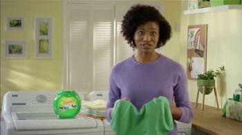 Gain Flings TV Spot, 'Key to Fresh Laundry' - Thumbnail 2