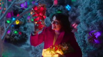TJX Companies TV Spot, 'The Holiday Place' - Thumbnail 8