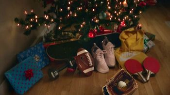 Dick's Sporting Goods TV Spot, 'Holidays: Night at the Distribution Center' Song by Chuck Berry - Thumbnail 7