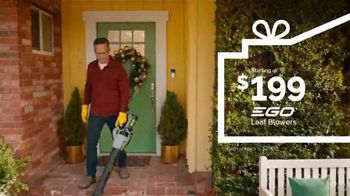 Lowe's TV Spot, 'Home for the Holidays: Celebrate' - Thumbnail 3