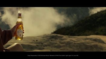 Michelob ULTRA Pure Gold TV Spot, 'Hike' - Thumbnail 10