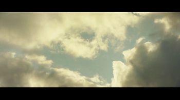 Michelob ULTRA Pure Gold TV Spot, 'Hike' - Thumbnail 2