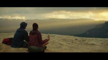 Michelob ULTRA Pure Gold TV Spot, 'Hike' - Thumbnail 8