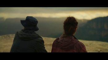 Michelob ULTRA Pure Gold TV Spot, 'Hike' - Thumbnail 9