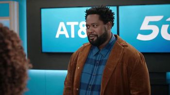 AT&T Wireless TV Spot, 'Word of Mouth Advertising: iPhone 12 Mini' - Thumbnail 4