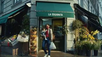 Clorox TV Spot, 'Los cuidadores: bodega' [Spanish] - Thumbnail 8