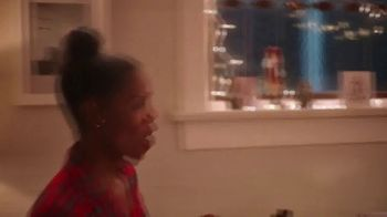 Macy's TV Spot, 'Holidays: Give With All of Your Heart' - Thumbnail 2