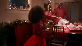 Macy\'s TV Spot, \'Holidays: Give With All of Your Heart\'