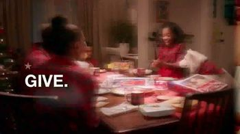 Macy's TV Spot, 'Holidays: Give With All of Your Heart' - Thumbnail 9
