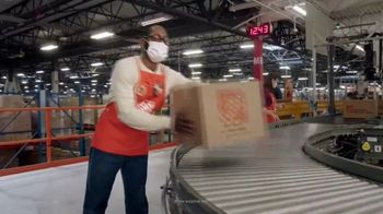 The Home Depot Black Friday Prices TV Spot, 'Holidays: Improvements' - Thumbnail 4