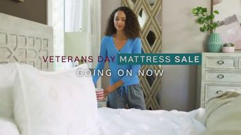 Ashley HomeStore Veterans Day Mattress Sale TV Spot, 'Any Size for the Price of a Twin' - Thumbnail 2