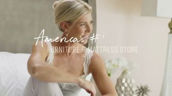 Ashley HomeStore Veterans Day Mattress Sale TV Spot, 'Any Size for the Price of a Twin' - Thumbnail 7