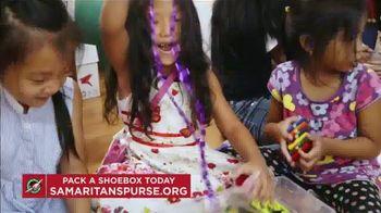Samaritan's Purse TV Spot, 'Pandemic Year' - Thumbnail 8