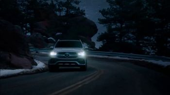 2021 Mercedes-Benz GLE TV Spot, 'Alice in Wonderland' [T2] - Thumbnail 7