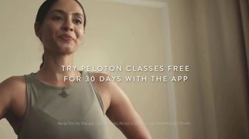 Peloton TV Spot, 'Rise and Shine: Free Classes' Song by Celeste - Thumbnail 8