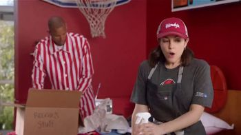 Wendy's TV Spot, 'Move-In: March Madness' Featuring Reggie Miller - Thumbnail 6