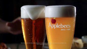Applebee's Boneless Wings TV Spot, 'A Little Bit of Chicken Fried' Song by Zac Brown Band - Thumbnail 4