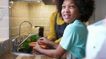 Emerson Electric Co. TV Spot, 'We See: Fresh Food' - Thumbnail 9