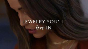 Gorjana TV Spot, 'Live, Love, Layer' - Thumbnail 6