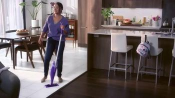 Swiffer WetJet TV Spot, 'Leah's Cleaning Confession' - Thumbnail 7