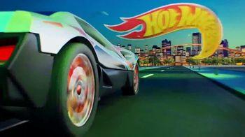 Hot Wheels City Toxic Snake Strike Challenge TV Spot, 'Top Speed Snake Take Down' - Thumbnail 2