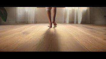 LL Flooring TV Spot, 'Bellawood Oak Floors: 36 Months Financing' Song by Electric Banana - Thumbnail 7