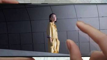 Samsung Galaxy S21 Ultra 5G TV Spot, 'Trade In: Save Up to $700 - Thumbnail 4