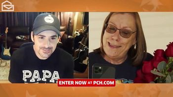 Publishers Clearing House TV Spot, 'Helping Change Lives: $7,000 a Week' Featuring Brad Paisley - Thumbnail 4
