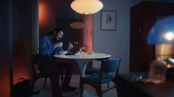 XFINITY TV Spot, 'Un lugar asombroso para estar' canción de M83 [Spanish] - Thumbnail 2