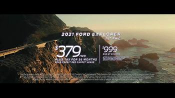 Ford TV Spot, 'The Future Comes Standard: Presidents Day: Escape and Explorer' [T2] - Thumbnail 6