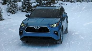 Toyota TV Spot, 'Dear Winter: Bundle Up' [T2] - Thumbnail 4