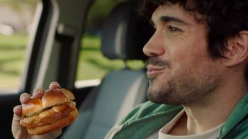 McDonald's Crispy Chicken Sandwich TV Spot, 'From the Makers' Featuring Tay Keith - Thumbnail 9